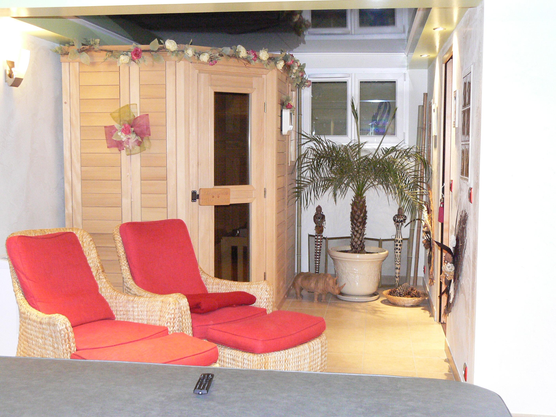 Sauna cabine infrarouge lons le saunier jura ain sa ne et loire dijon et - Sauna le relax dijon ...