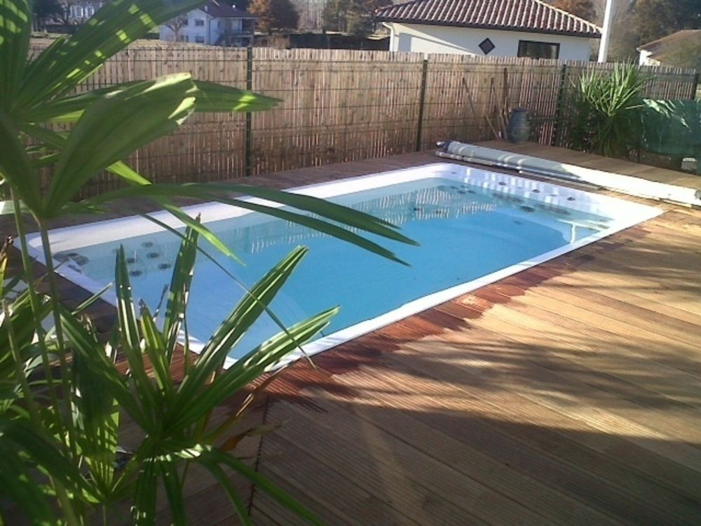 La mini piscine structure acrylique thermoform e 4 25 m x for Cout installation piscine