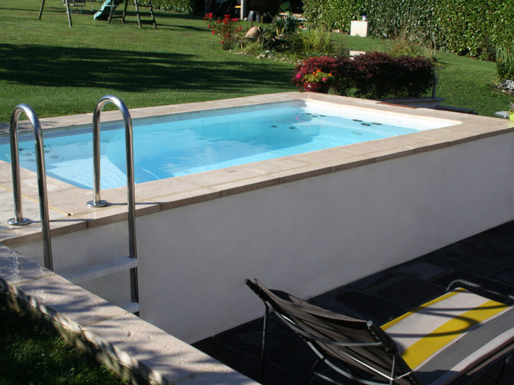 La mini piscine structure acrylique thermoform e 4 25 m x for Autorisation pour piscine